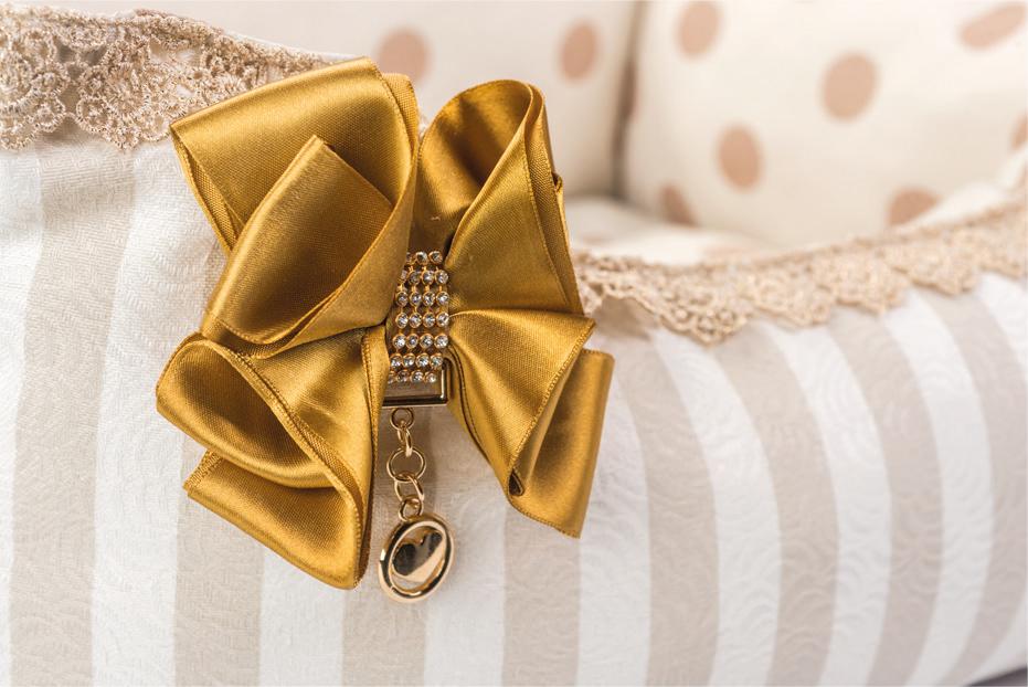 Laço e acabamento Cama Retangular Gold